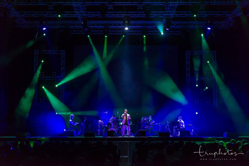 Japanaese singer Atari Kousuke singing at his first concert in Singapore